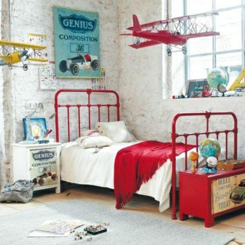 tolle einrichtungsideen für jungenzimmer knallrot metallbett