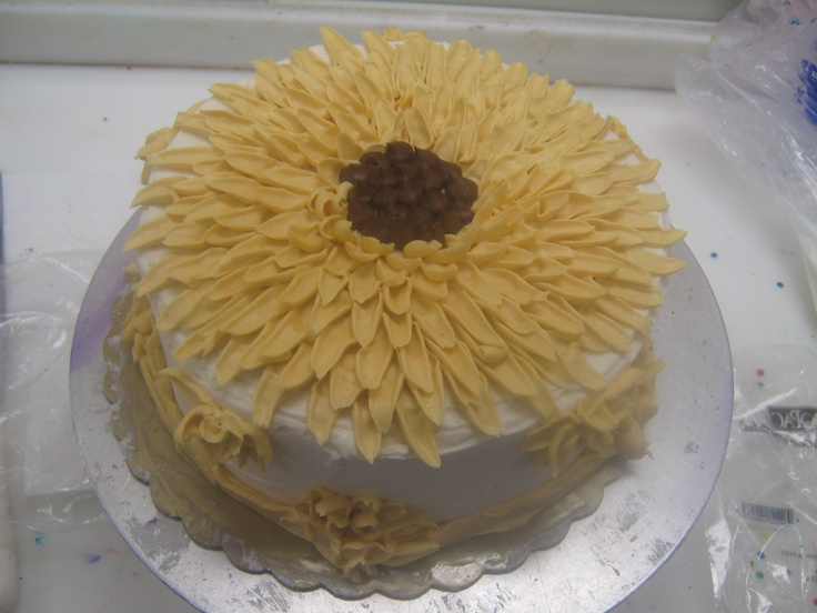 44 best images about Cake-Flower decorations on Pinterest