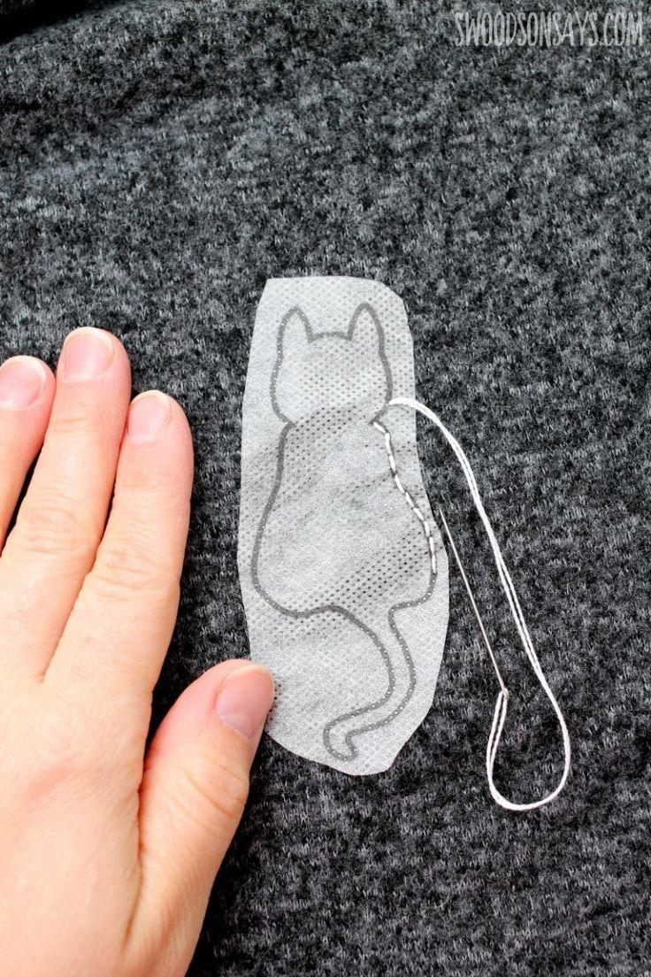 Einfache Methode zum Übertragen von Handstickmustern, die zeigen, wie man auf einem Stickerei