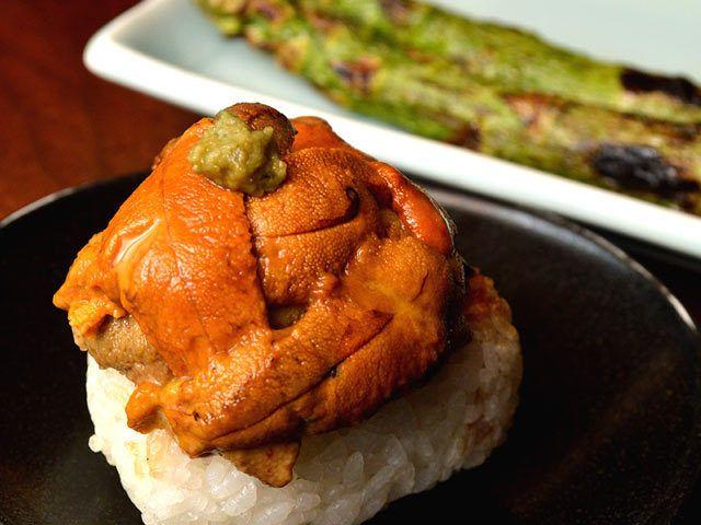 歓声必至!築地の裏路地にある豪快な海鮮グルメをご紹介!(1/2)[東京カレンダー]
