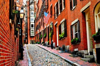 21 Free Things to Do in Boston #13 Wednesdays - free lunch @ Quincy Market International Food Festival #14 stargaze @ Coit observatory after 8:30pm