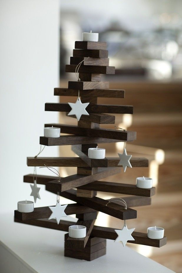 Wooden table top Christmas tree: Cahetu, Denmark