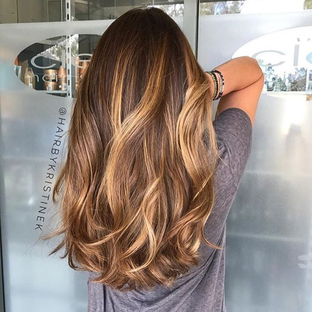Want this 😍😍 Color by @hairbykristinek  #hair #hairenvy #hairstyles #haircolor #brunette #balayage #highlights #newandnow #inspiration #maneinterest