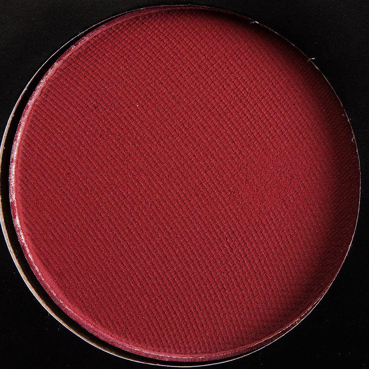Makeup Geek x Manny Mua Eyeshadow Palette Makeup Geek x Manny Mua Eyeshadow Palette ($45.00 for 0.58 oz.) contains nine eyeshadows in a slim, cardboard pal