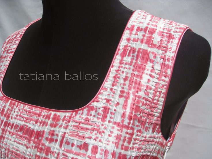 Tatianologia: Обработка горловины с использованием декоративного..  Tutorial: neckline with decorative piping.