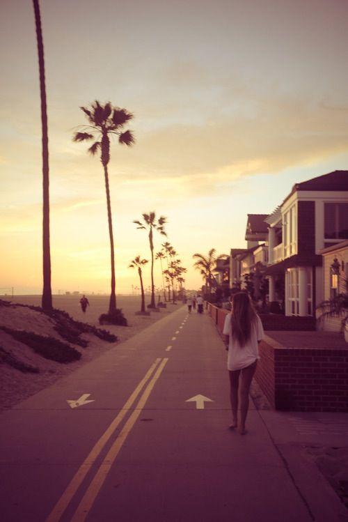 Andando na calçada