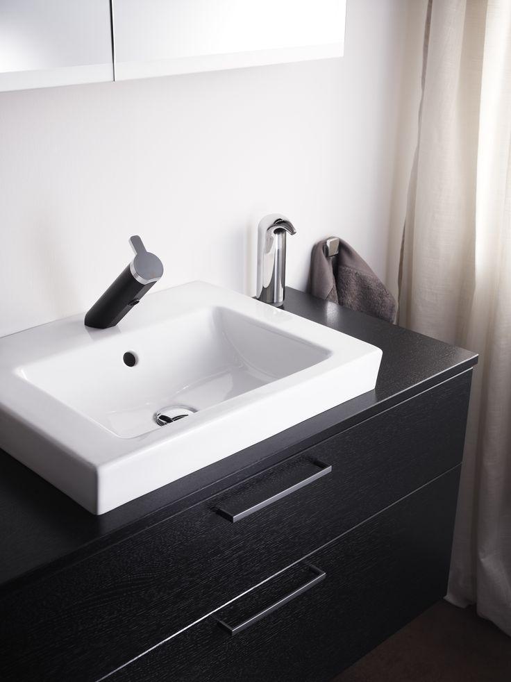 Tvättställ för bänkskiva från Artic. Design med raka linjer och räta vinklar.