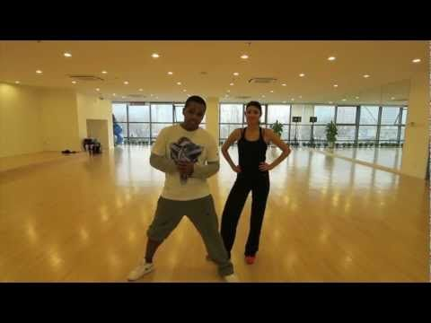 Salsa routine by Alejandro. Good for #zumba. Song: Quimbara by Celia Cruz