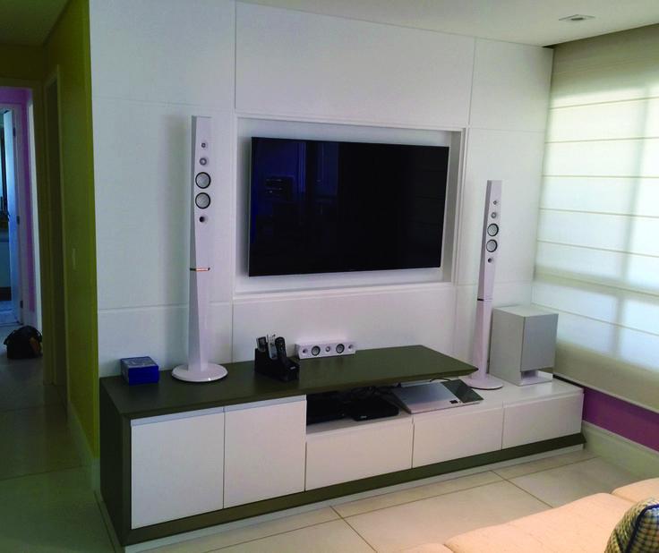 Home theater com toda estrutura em laca fendi e portas for Fendi casa catalogo