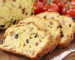 Cake salé aux magrets de canard, olives et fromages http://www.cuisineaz.com/recettes/cake-sale-aux-magrets-de-canard-olives-et-fromages-74261.aspx