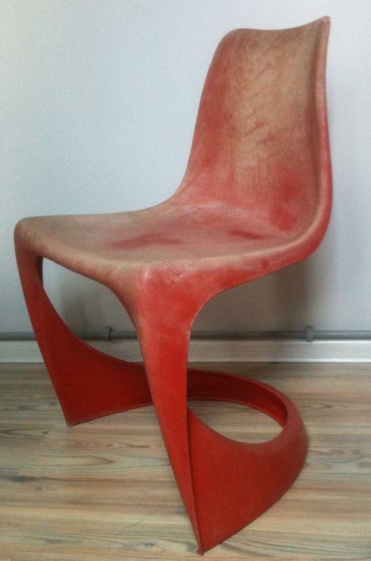 """Krzesło zaprojektowane dla manufaktury Cado w 1966 roku przez Steena Østergaarda. Model numer 290. Produkcja ZTS """"Krywałd"""" w Knurowie."""