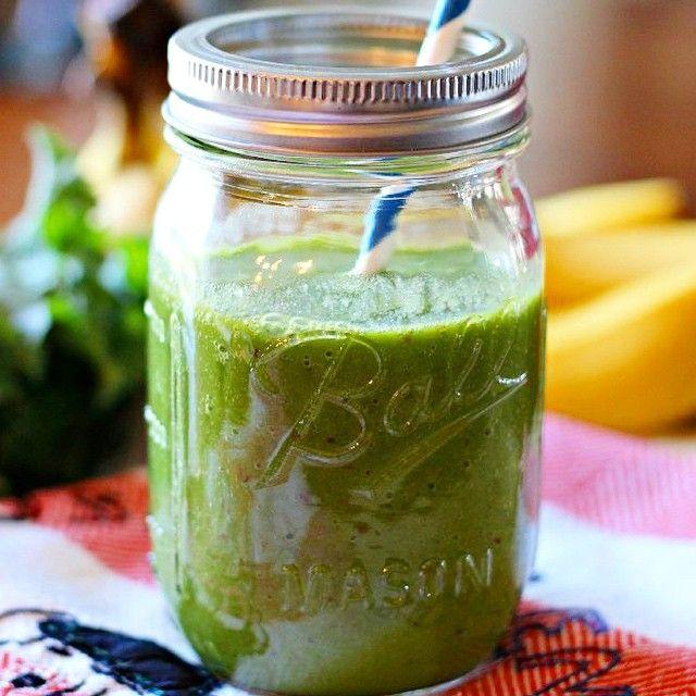 Instagram @dytmervetigli  #detox #smoothie  ▶️ 1 su bardagi yikanmis dogranmis marul  1 portakalin suyu  1 muz  1/2 armut ▶️ 1 yemek kasigi yulaf  1 bardak badem sütü ▶️ 1 yemek kasigi chia tohumu