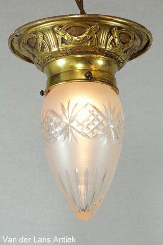 Antieke plafonniere 26378 bij Van der Lans Antiek. Meer antieke lampen op www.lansantiek.com