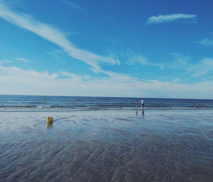 Life's as kind as you let it be.  Charles Bukowski #igersfrance #sea #mer #beautiful #beach #island #normandie #france #destination #vsco  #vacation #summer #instalike #instafrance #igers #instagood #picoftheday #bestoffrance #bestoftheday #plage #nexus #nexus5x #normandy #франция #каникулы #citation #quoteoftheday