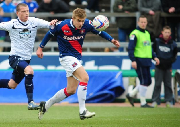 Blackpool have again failed in their ongoing attempts to sign Carlisle midfielder Brad Potts.