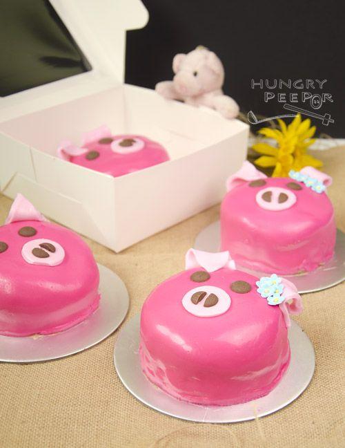 How to Make A Pink Piggy Fondant Cake by Hungry Peepor