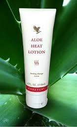 Aloe Heat Lotion bevat verwarmende bestanddelen en is ideaal voor het masseren van gevoelige en vermoeide spieren. Deze lotion maakt de huid soepel en stevig en is uitermate geschikt om vastzittende spieren los te masseren. Onmisbaar in iedere sporttas.