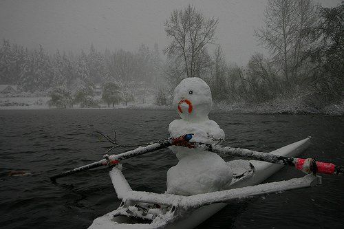 Frosty the Snowman learns how to row! #rowing