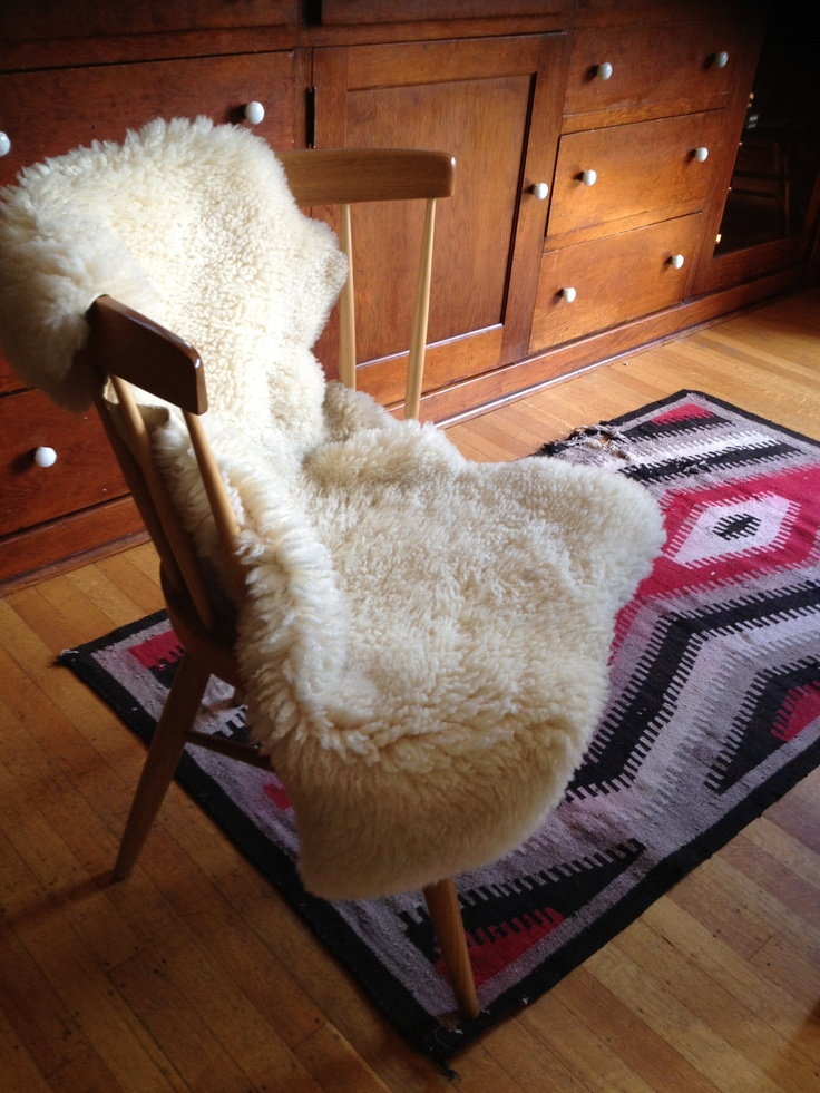 Vintage Sheep Rug, New Zealand. Looks So Cozy!