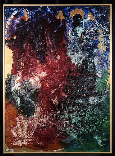 Emozioni lontane. Il fondo oro, che appare a tratti, mitiga la forza del rosso e del blu che rappresentano per la Donati l'incontro di due mondiSe volete vedere le mie creazioni venite sul mio sito http://www.marcelladonati.com