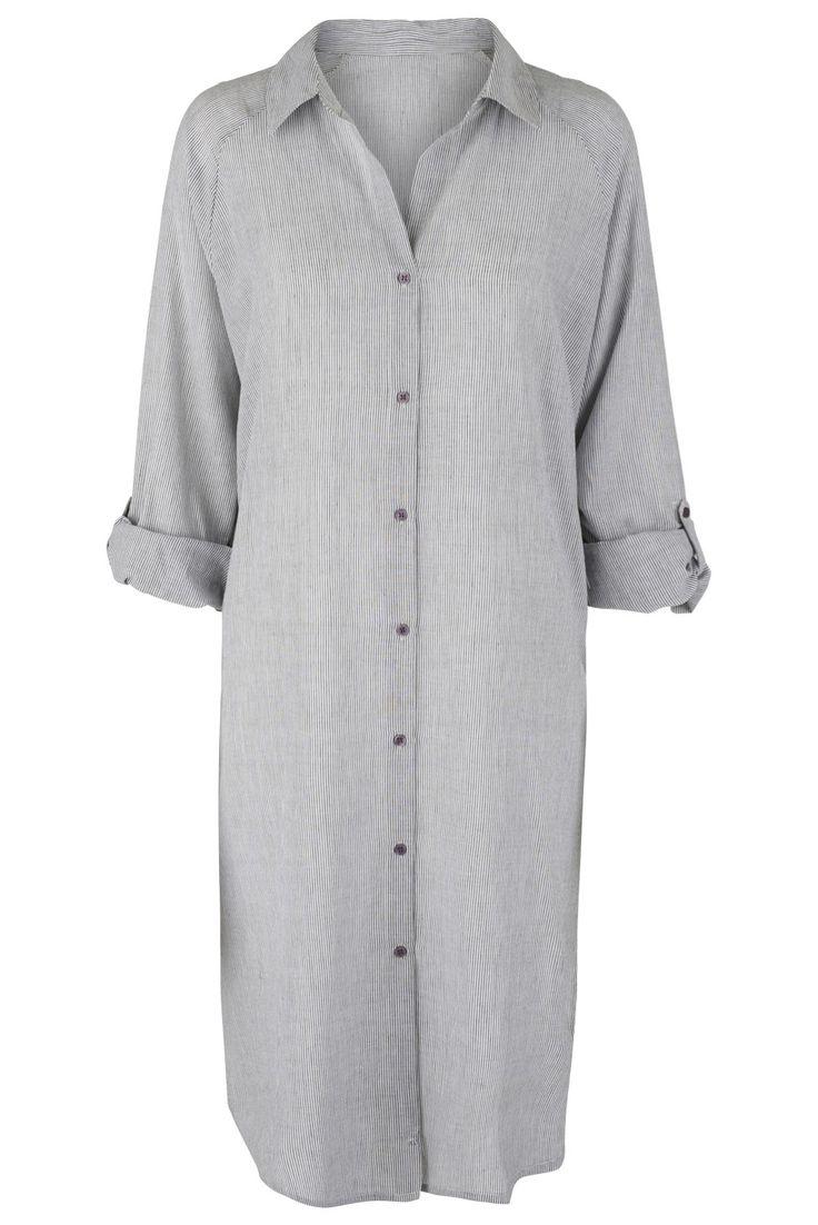 Smuk lang skjorte i 100% bomuld i mørkegrå og beige stribe.