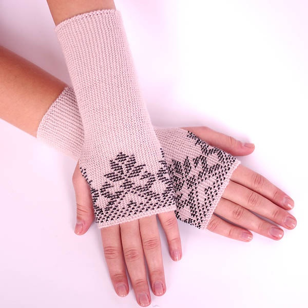 Very soft and cozy woolen beaded fingerless by evarica on Etsy, $69.00