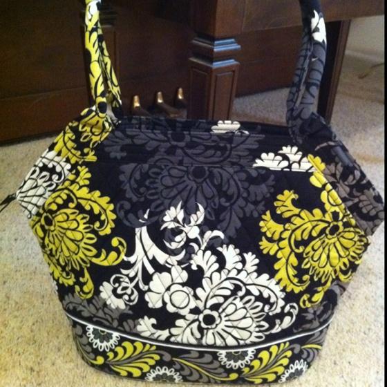 73ebeee7ee Vera Bradley bag in the Baroque pattern. | Bagged by a purse! | Pinte