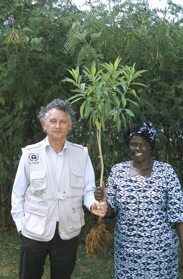 "In 2007, the Yves Rocher brand committed to plant 1 million trees under the United Nations Environment Programme's (UNEP) Billion Tree Campaign.   Jacques Rocher, President of the Yves Rocher Foundation – Institut de France and Wangari Maathaï, Nobel Peace Prize winner and sponsor of UNEP's ""Plant for the Planet"" campaign. #yvesrocher #history #cosmetics"