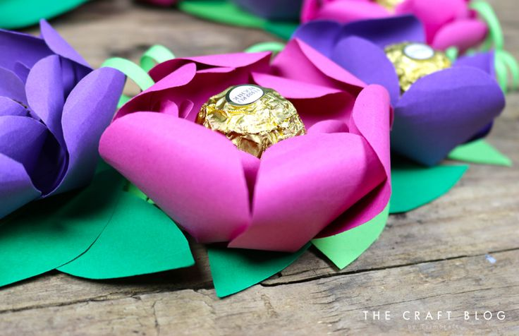 Colourful DIY Spring Paper Flower Wreath with Free Template
