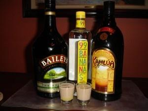Laffy Taffy in a glass! 99 Bananas, Bailey's and Kahlua !