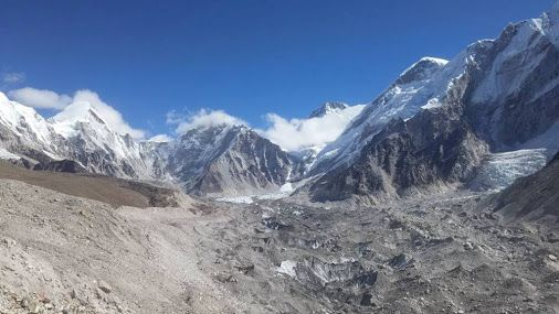 #Everest_Base_Camp :An amazing views of beautiful mountains always stop you for see them & provide fresh air to you. Do plan your holidays in Nepal with us to explore these side of Nepal. #EBC_trek #khumbu_region #clearskytreks #trekking_hiking #nepal_travel.