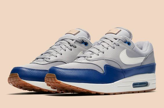 Keep It Clean And Simple With This Nike Air Max 1 | Schoenen