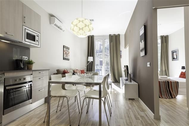 The Fontanella Apartment in Barcelona, up to 4 people, from 72€/night!