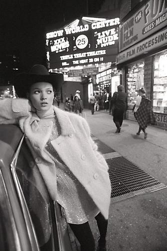 Kate Moss in Times Sqaure. Photographed by Glen Luchford in 1994. ☚