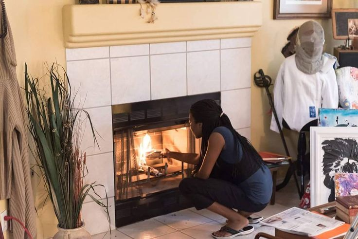 With the weather getting colder I really miss the fireplace in Kincaid's Shop. #theravenseries #theraven #Independentfilm #indiefilm #webseries #castandcrew #FilmLife #actorslife #filmday #setlife #behindthescenes #writerslife #Film