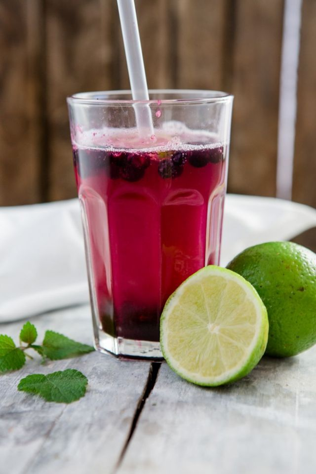 Blaubeer-Limetten-Limonade – a blueberry anniversary