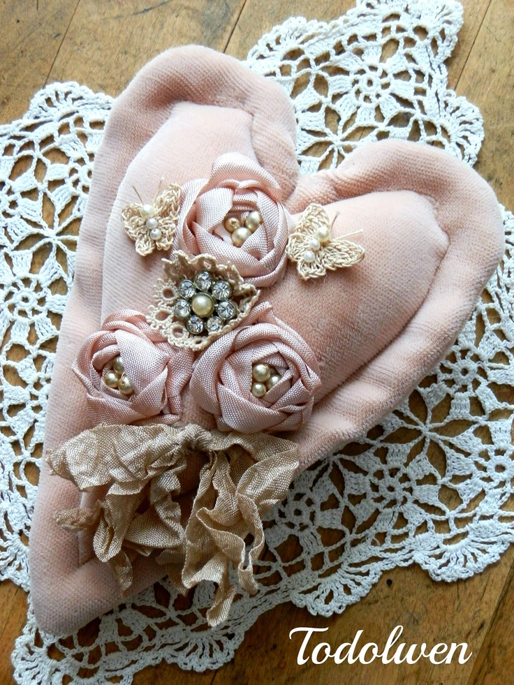 Todolwen: A Rose Heart - all handmade with seam binding roses and vintage lace and jewelry - via Todolwen