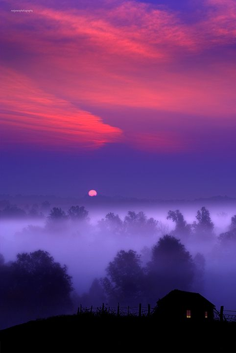 Tranquil setting of the sun    ♥ ♥ www.paintingyouwithwords.comMoon, Mists, Purple Sunsets, Colors, Sunris, Mothers Nature, Beautiful Sunset, Pink, Purple Sky