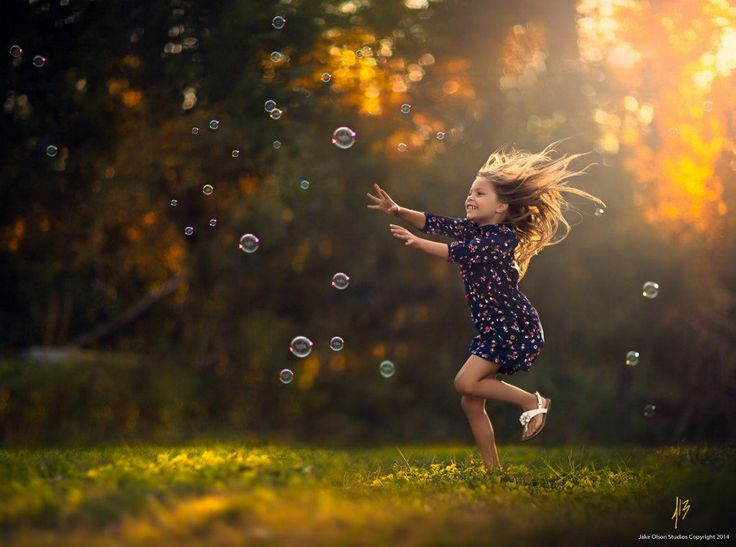 Cute child chasing bubbles – it's a formula that works every time and Jake Olson has mastered it! Here's his latest example! Dream Catcher by Jake Olson Studios on 500px Jake shot this gorgeous shot with a Canon EOS 5D Mark III and a Focal Length of 85mm. His settings were a Shutter Speed of1/5600s ….