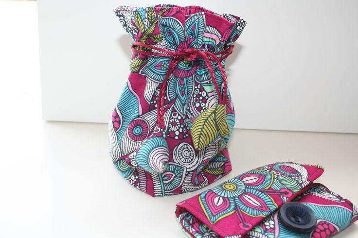 Ensemble pochon et trousse manucure en coton tissu motifs fleuri : Accessoires de maison par belleanna