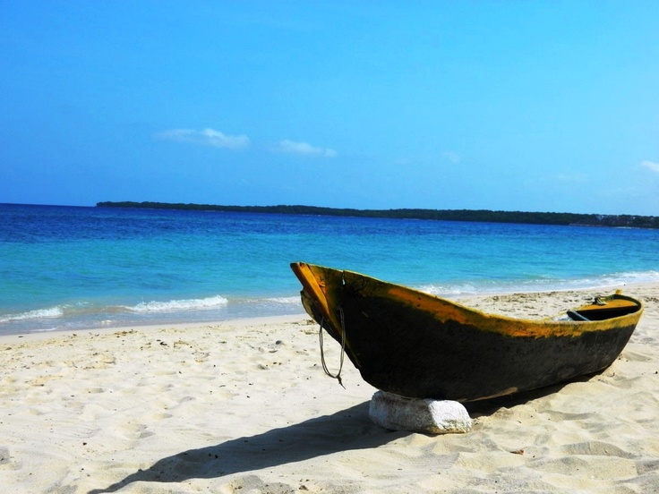 Playa Blanca - Barú.  Beautiful crystal clear and turquoise water, white sand and nice breeze.