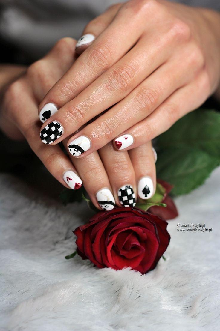 Alice in Wanderland nail art | Smart Lifestyle