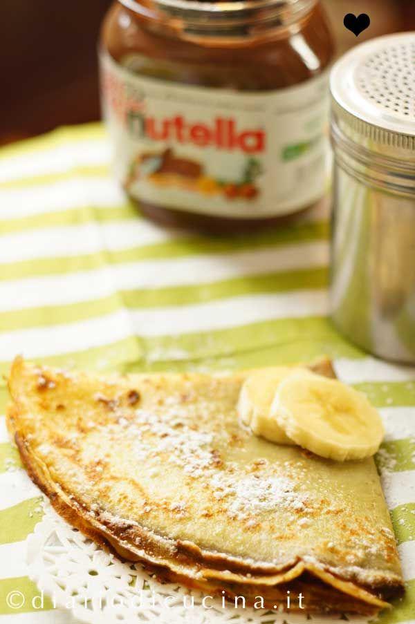Crepes alla Nutella - Diario di Cucina. Expat-Mamma in Francia. Il trucco per delle crepes alla nutella come quelle delle crêperie francesi è il burro noisette.