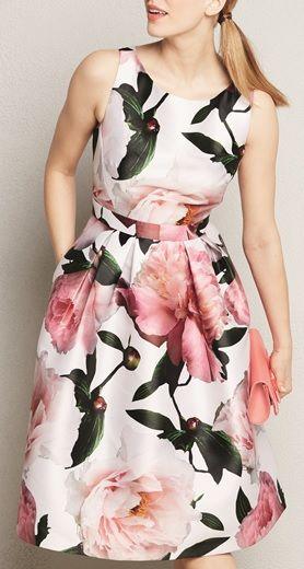 Gorgeous dress!