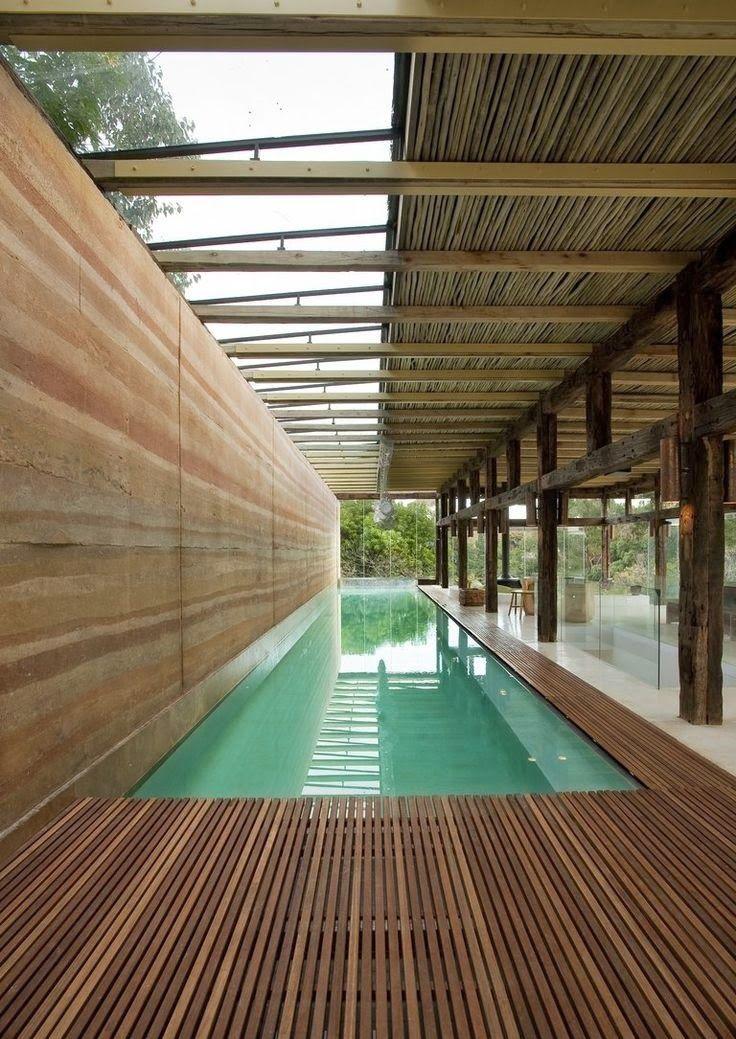 LEEM Wonen schreef een blog over zwembaden. En dan specifiek over zwembaden in je tuin. Droom jij daar ook van? Bekijk hier de voorbeelden!