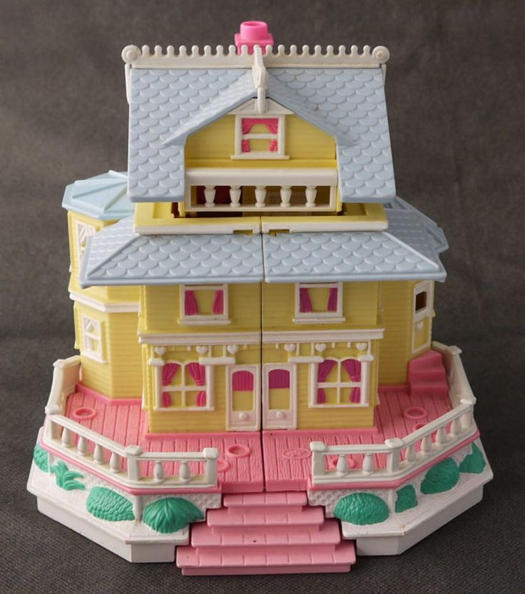 POLLY POCKET HAD this, too! The fold open mansion. My favorite.