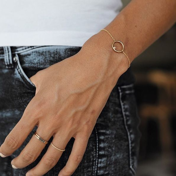 12 griffes de bijoux délicats: Mejuri - Les griffes de bijoux délicats qu'on aime