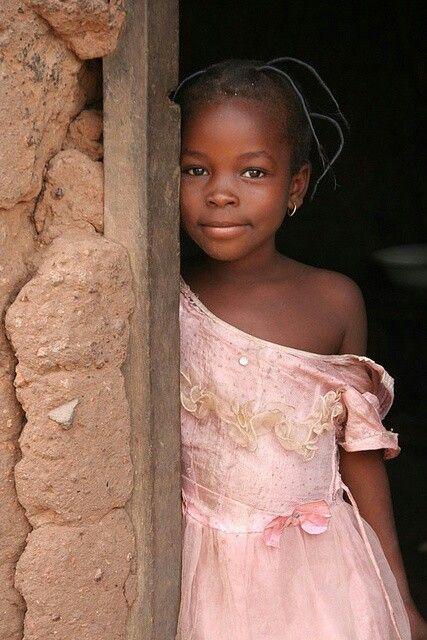 En la puerta. Africa