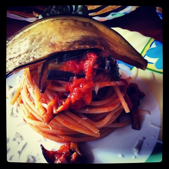 Spaghetti ala Norma