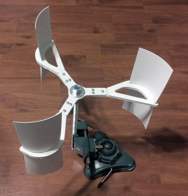 Vertical Axis Wind Turbine by hooptey. ..j